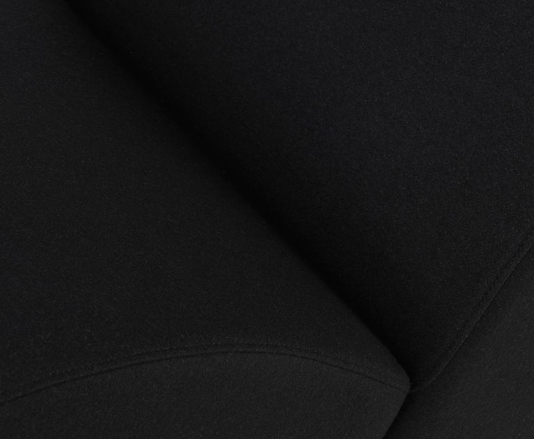 Black (Mollie Melton 0202.jpg) Bird Chair Elegance by Tom Dixon 4