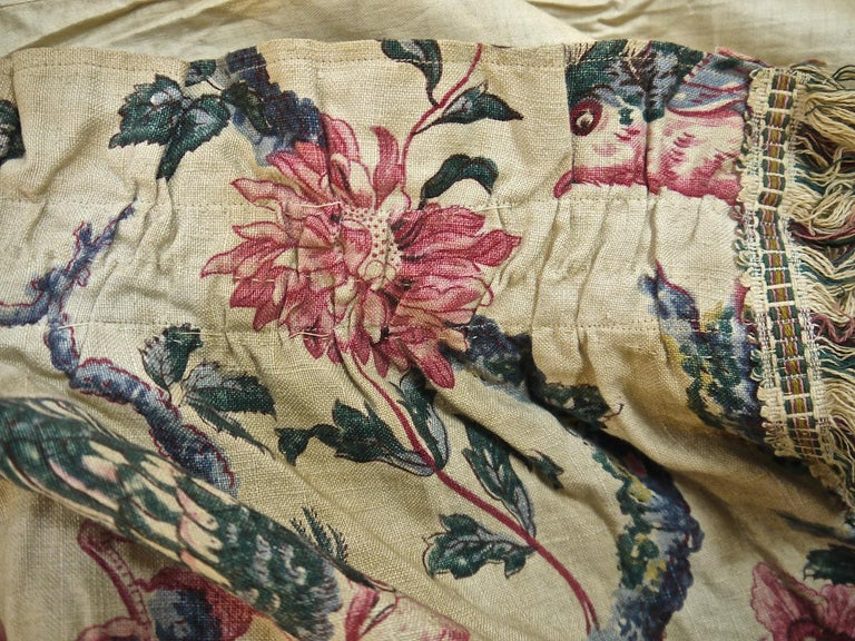 Birds and Flowers Linen Panel and Pair of Linen Curtains, French 19th Century For Sale 11