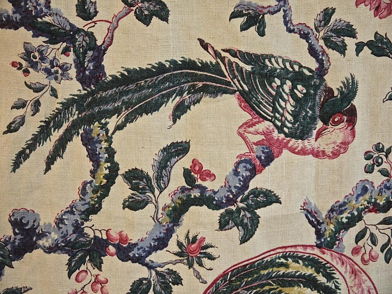 Birds and Flowers Linen Panel and Pair of Linen Curtains, French 19th Century In Good Condition For Sale In London, GB