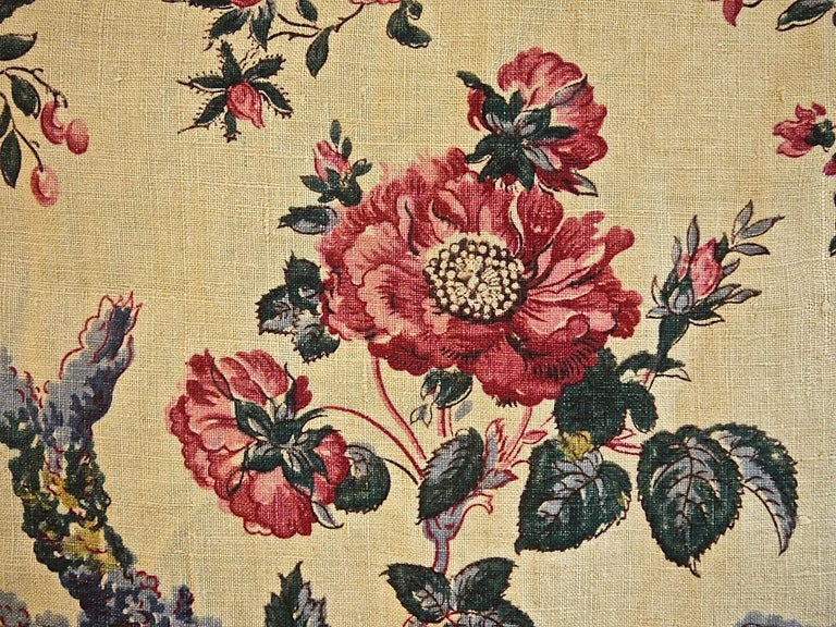 Birds and Flowers Linen Panel and Pair of Linen Curtains, French 19th Century For Sale 3