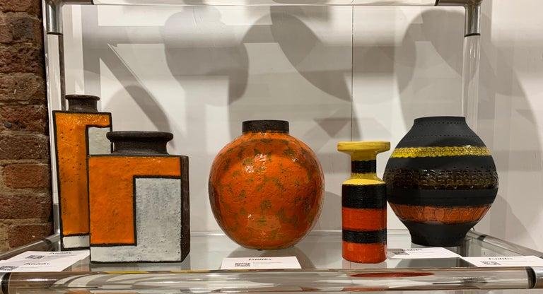 Bitossi for Raymor Vase, Ceramic, Matte Black, Yellow and Orange, Signed For Sale 10