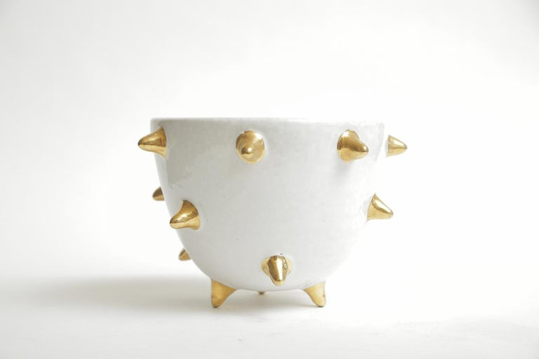 Bitossi Italian Glazed Ceramic White Bowl with Gold Ceramic Spikes Vintage In Good Condition For Sale In North Miami, FL