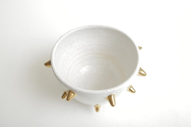 Bitossi Italian Glazed Ceramic White Bowl with Gold Ceramic Spikes Vintage For Sale 1