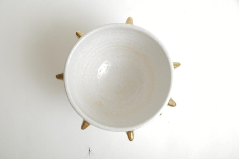 Bitossi Italian Glazed Ceramic White Bowl with Gold Ceramic Spikes Vintage For Sale 2