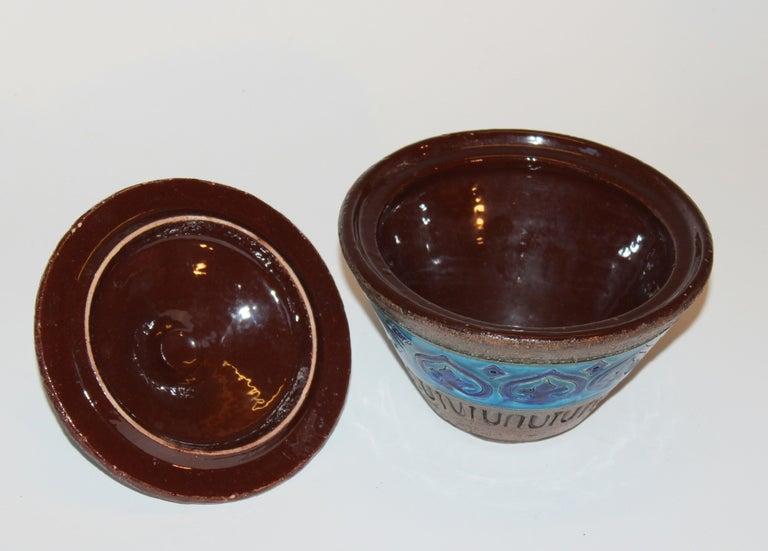 Bitossi Italian Pottery Raymor Jar and Cover Vintage Rimini Blue Londi Ceramic In Good Condition For Sale In Wilton, CT