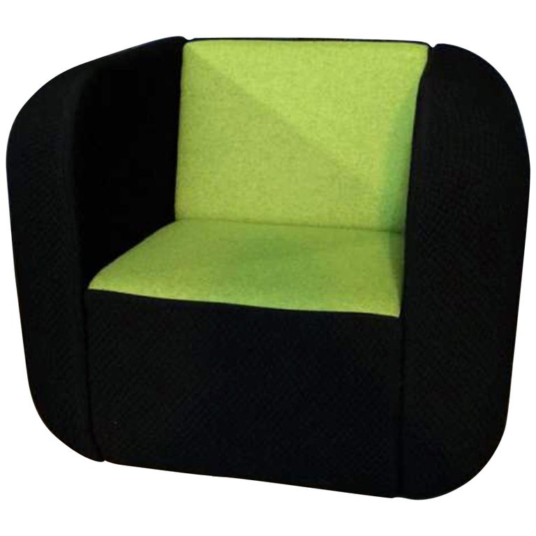 """Artifort Black and Green Fabric Set of Loveseat and Armchair """"APP"""" For Sale"""