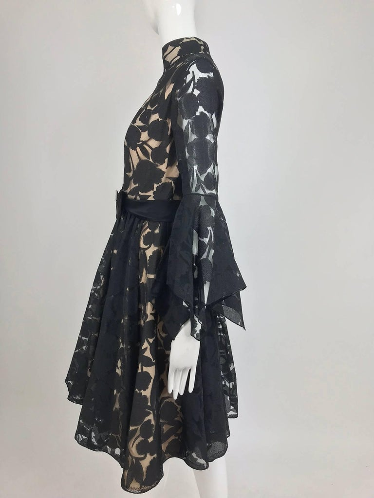 Black and nude voided organza handkerchief sleeve dress, 1960s For Sale 8