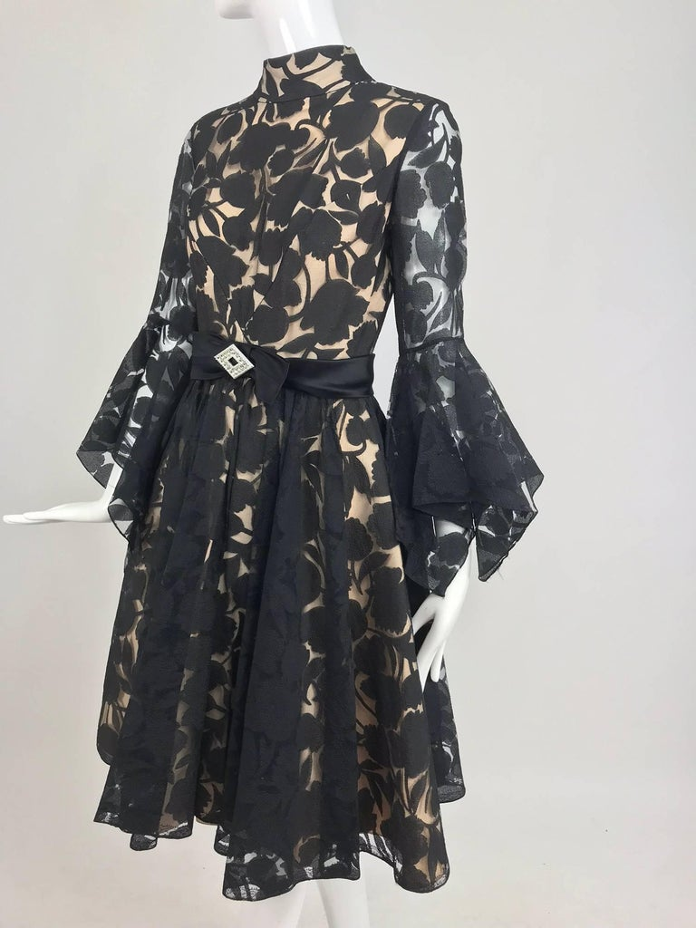 Black and nude voided organza handkerchief sleeve dress, 1960s For Sale 10