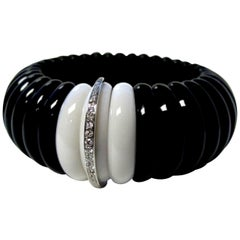 Black and White Agate and Diamond Bangle Wide Cuff 18 Karat White Gold Bracelet