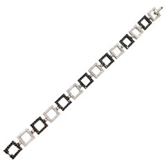 Black and White Diamond Round Link Bracelet in 18 Karat White Gold