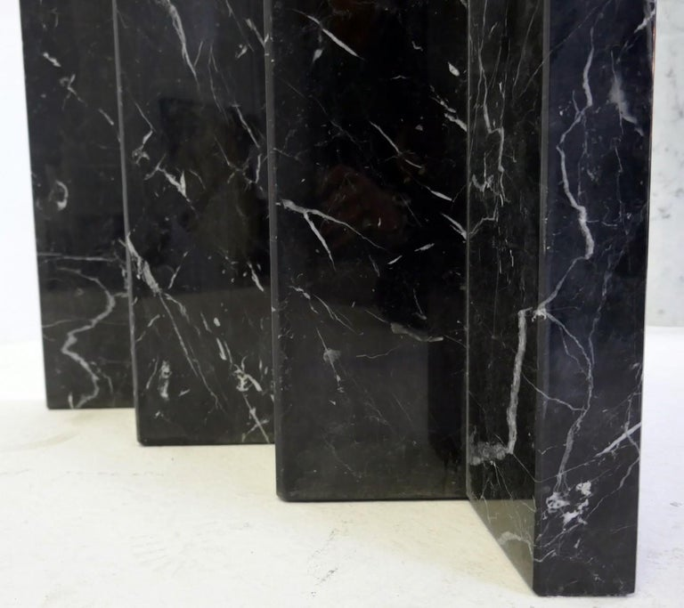 Black and White Marble and Glass Top Dining Tables In Good Condition For Sale In Brussels, BE