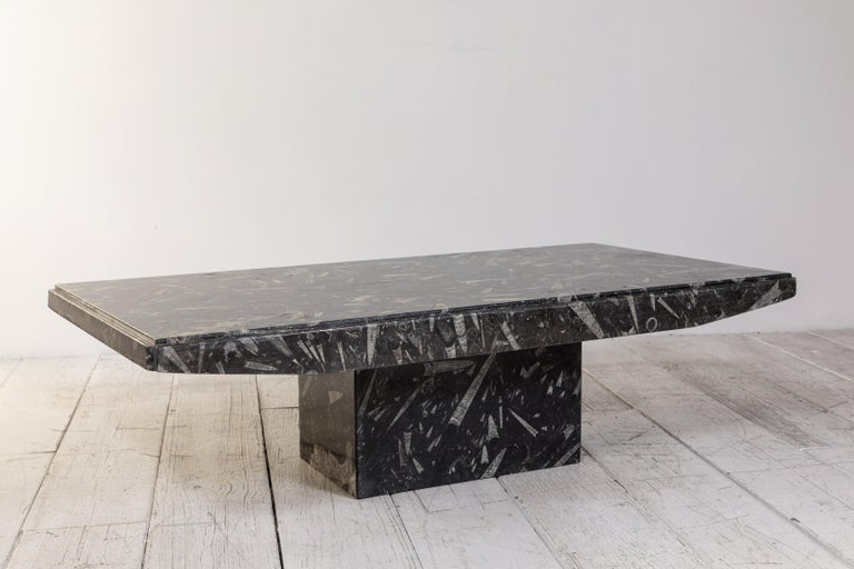 Black and White Modernist Marble Cocktail Table In Good Condition In Los Angeles, CA