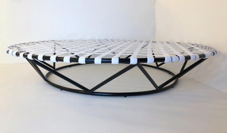Mid-20th Century Black and White Outdoor Sun Circle Chaise by Tropitone For Sale