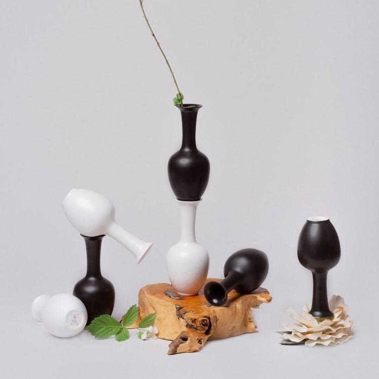 Chinese Black and White Porcelain Vase Set For Sale