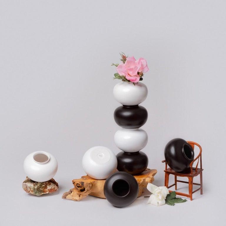 Black and White Porcelain Vase Set In New Condition For Sale In Manassas Park, VA