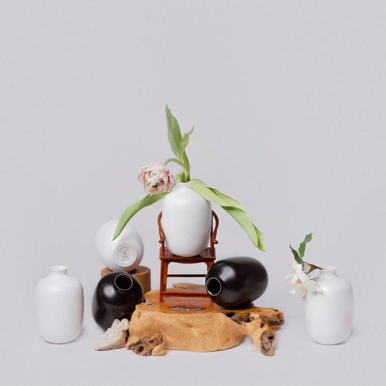 Contemporary Black and White Porcelain Vase Set For Sale
