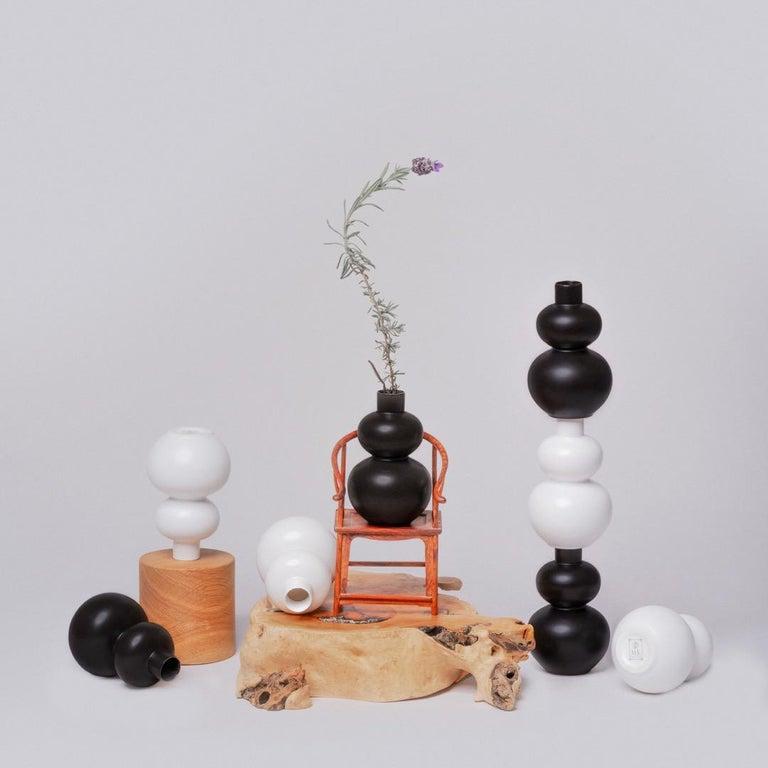 Black and White Porcelain Vase Set For Sale 1