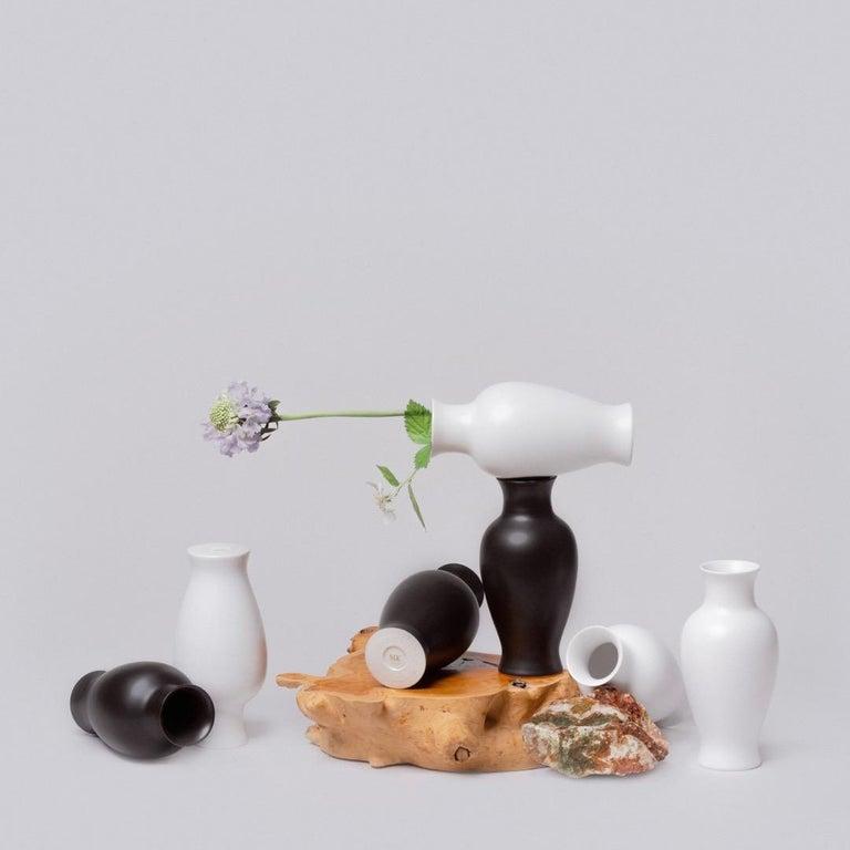 Black and White Porcelain Vase Set For Sale 2