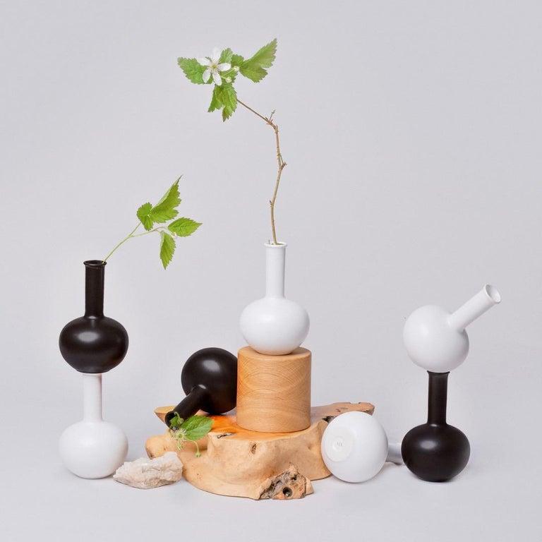 Black and White Porcelain Vase Set For Sale 3