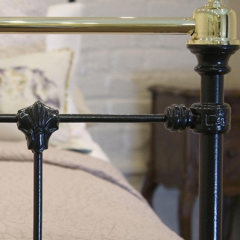 Black Antique Bed MD90 In Good Condition For Sale In Wrexham, GB