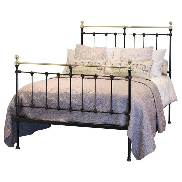 Black Antique Bed MD90 For Sale