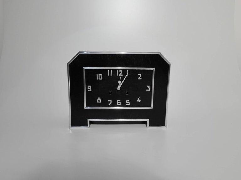 Schwarze Art Deco Schreibtischuhr 3