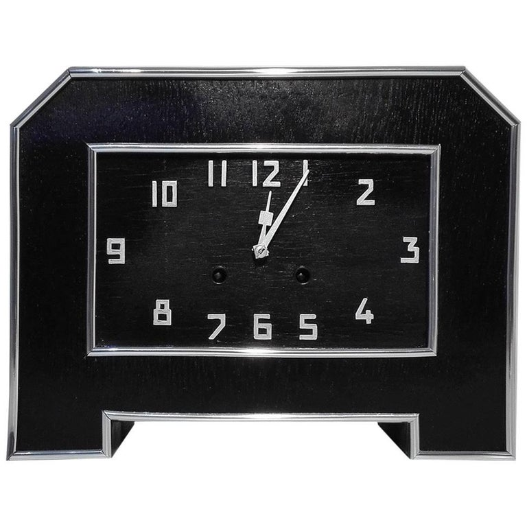 Schwarze Art Deco Schreibtischuhr 1
