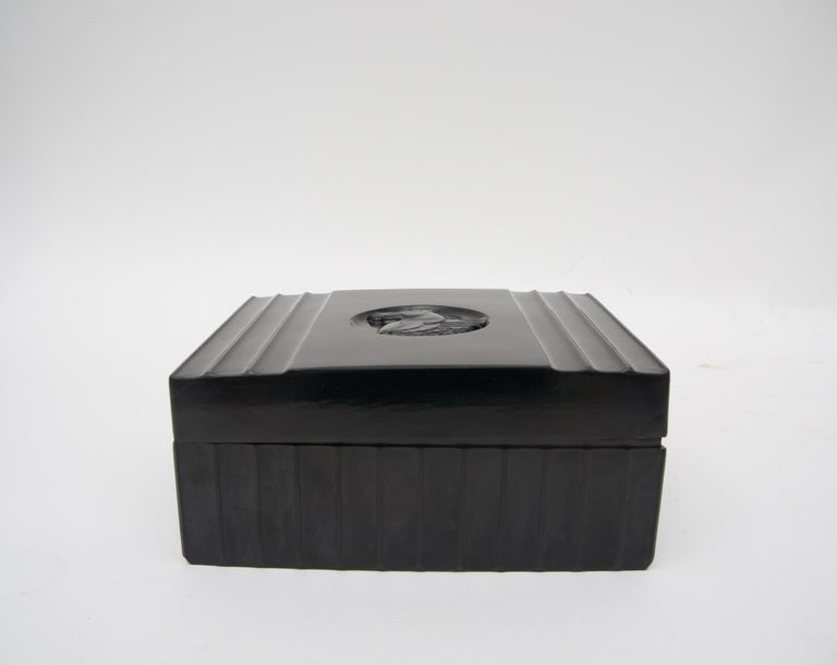 Black Bakelite American Art Deco Storage Box In Good Condition For Sale In West Palm Beach, FL