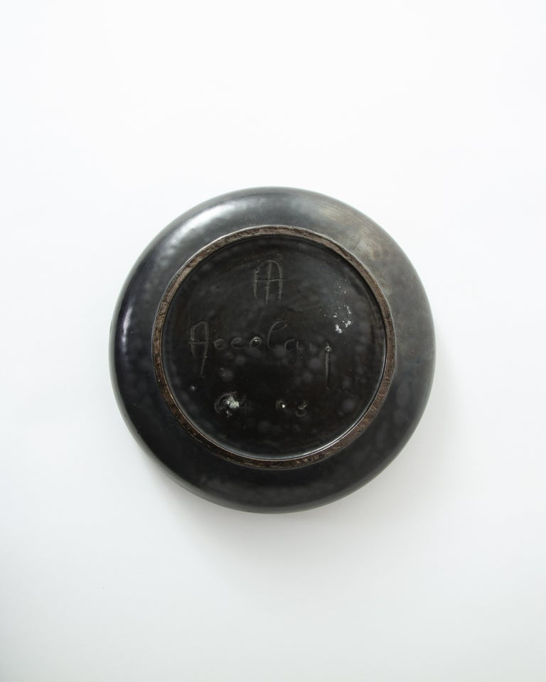 Black Ceramic Dish by Accolay, France, 1960s In Good Condition For Sale In New York, NY