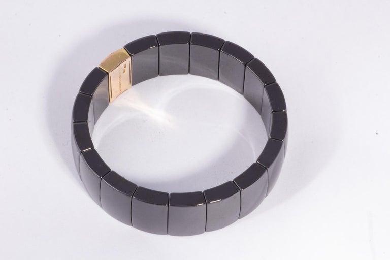 Modern Black Ceramic Flexible Bracelet with Rose Gold and Diamond Ornamentation For Sale