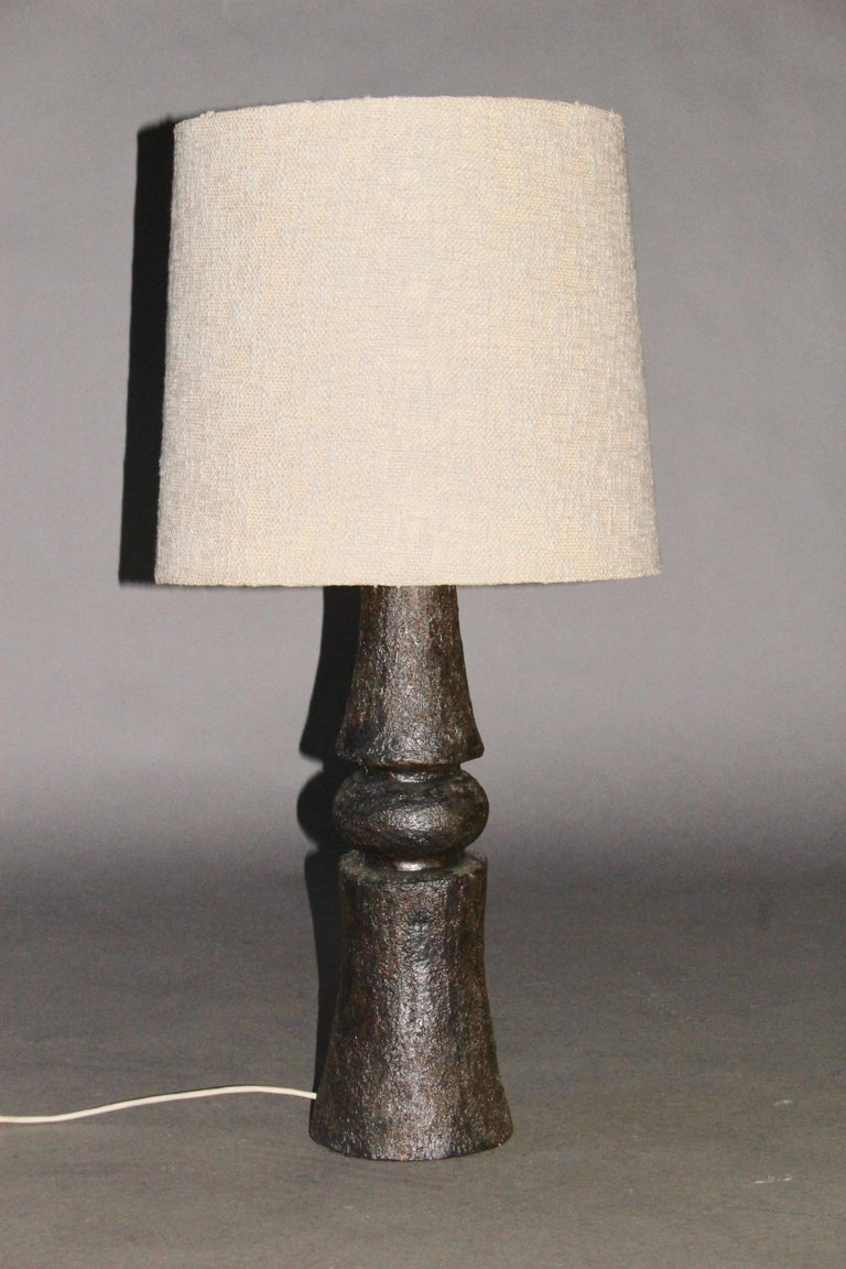 Black ceramic table lamp, dimensions without shade height 52, diameter 17 cm.