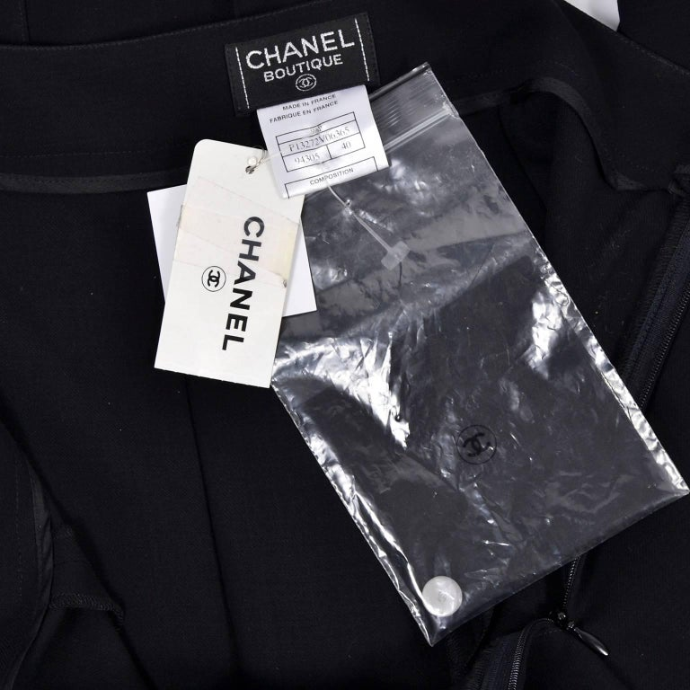 New 1990s Black Wool Chanel Pants W High Waist & Side Fly Away Panel 40 US 10 For Sale 5