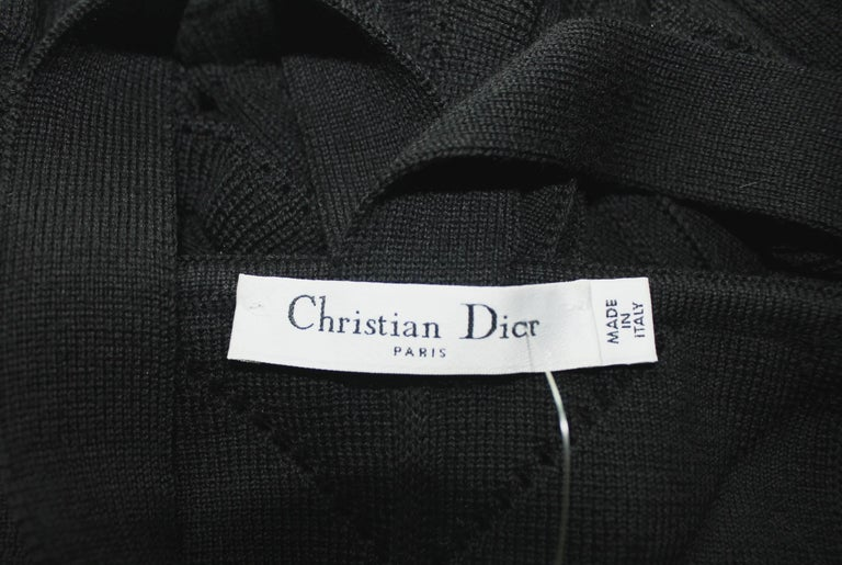 Black Christian Dior 3D Crochet Knit Ribbed Dress with Ruches Dior Logo Plate For Sale 3