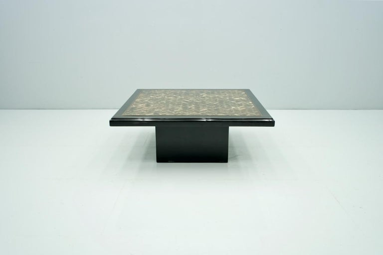 Black Coffee Table with Horn Inlays, France, 1970s In Good Condition For Sale In Frankfurt / Dreieich, DE