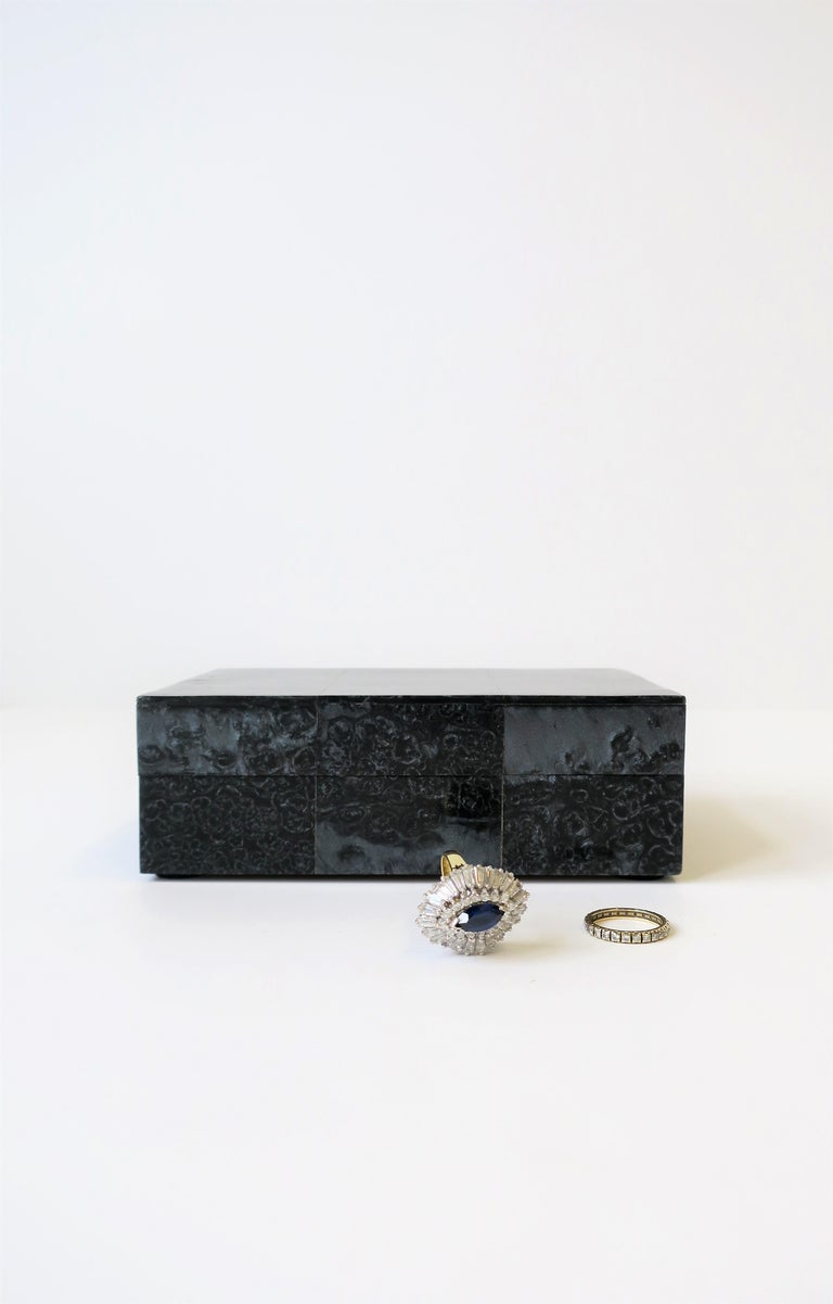 Black Decorative or Jewelry Box In Good Condition For Sale In New York, NY