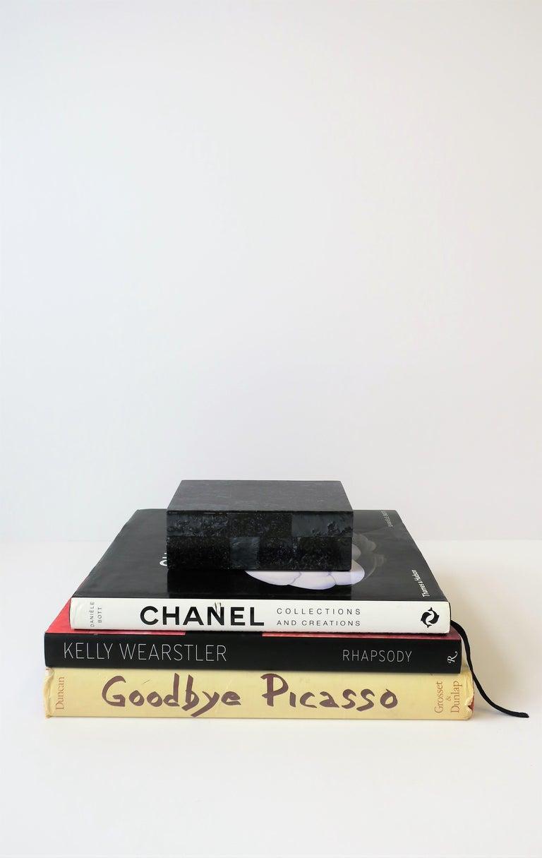 Black Decorative or Jewelry Box For Sale 3