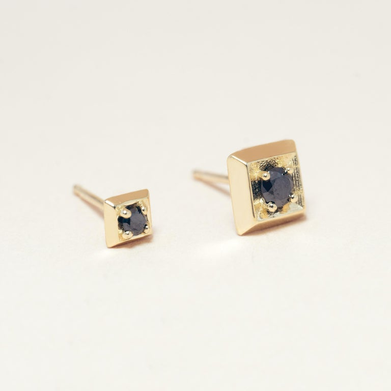 Women's or Men's Black Diamond 14 Karat Gold Formation Square Mini Stud For Sale