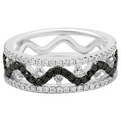 Black Diamond White Diamond Three-Row Gold Fashion Cocktail Band Ring