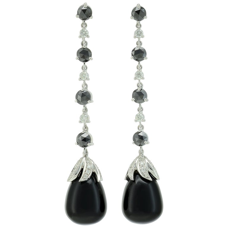 Black Diamonds White Diamonds Onyx 18 KT White Gold Long Earrings Made in Italy For Sale