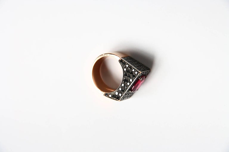 Black Diamonds Spinel 18 Karat Rose Gold Ring In New Condition For Sale In Milan, IT