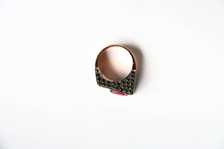 Women's or Men's Black Diamonds Spinel 18 Karat Rose Gold Ring For Sale
