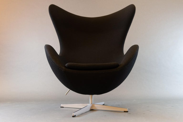 Black egg chair 3316 by Arne Jacobsen for Fritz Hansen, 2007. This is the single most iconic piece of Danish design ever made. The egg chair model 3316, in Danish