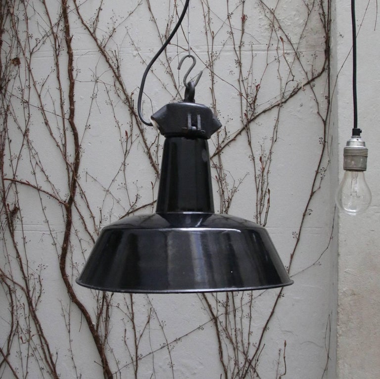 Cast Black Enamel 1930s Vintage Industrial Factory Pendant Lights For Sale