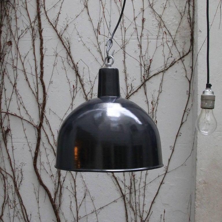 Black Enamel Vintage Industrial Factory Hanging Lights Pendants For Sale 2