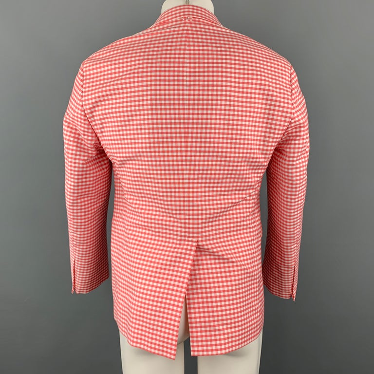BLACK FLEECE Size 40 Coral & White Checkered Cotton Notch Lapel Sport Coat In Excellent Condition For Sale In San Francisco, CA
