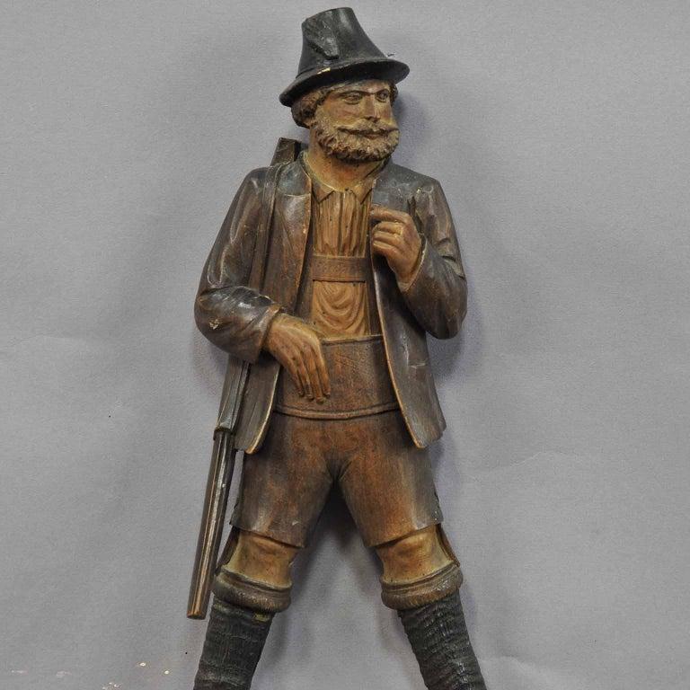 Handgeschnitzte Jäger-Figur als Peitschenhalter, Brienz, um 1890 2