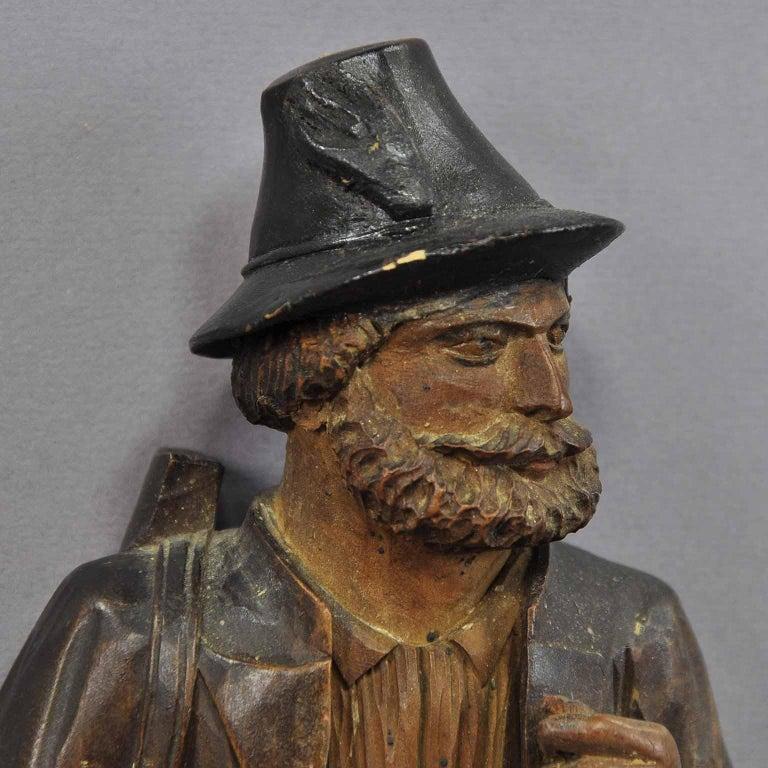 Handgeschnitzte Jäger-Figur als Peitschenhalter, Brienz, um 1890 5