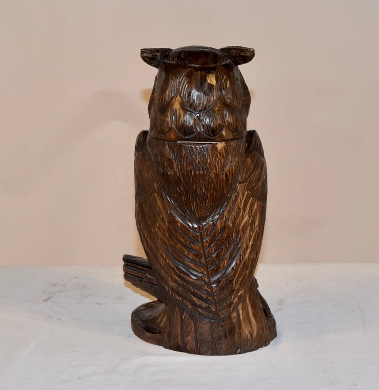 Hand-Carved Black Forest Carved Owl Humidor, circa 1900 For Sale