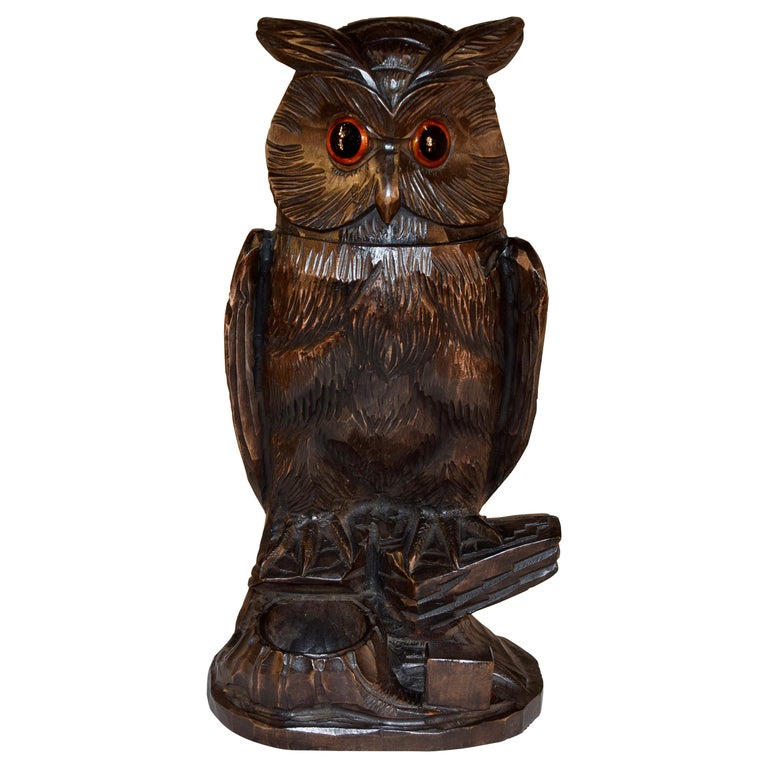 Black Forest Carved Owl Humidor, circa 1900 For Sale
