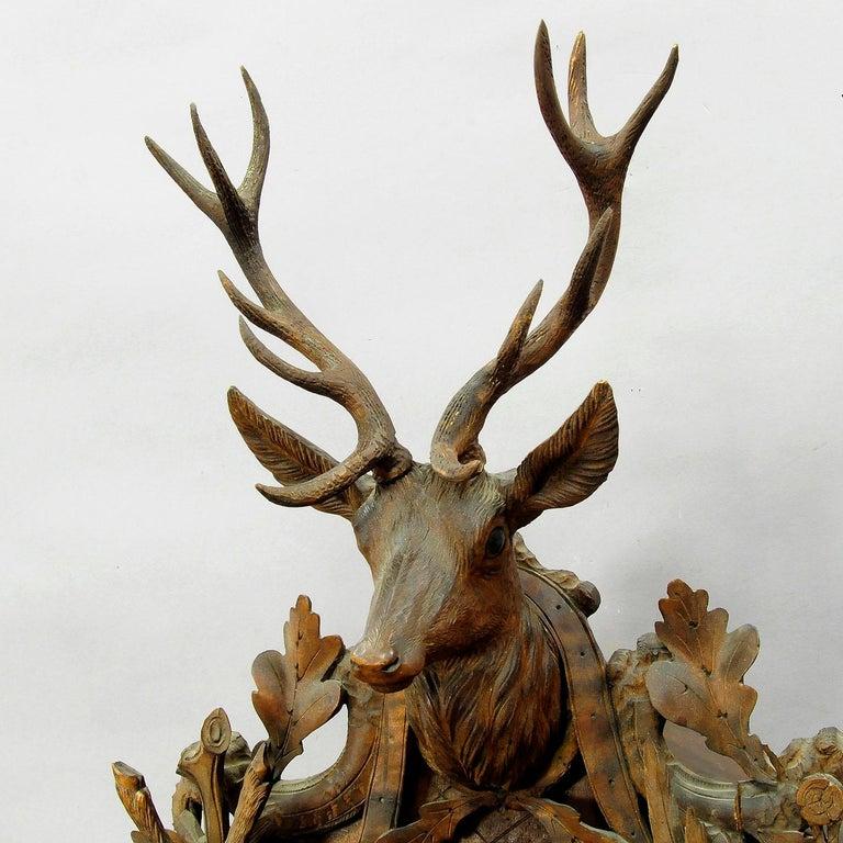 Schwarzwald geschnitzt Holz Kuckucksuhr mit großen Hirschkopf 8